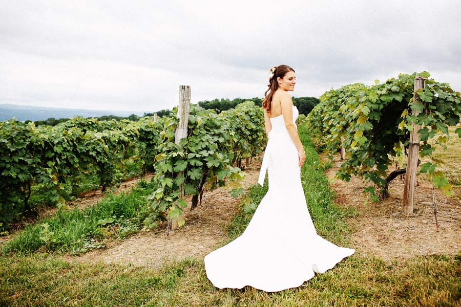 Finger_Lakes_Wedding_Glenora_Winery_Wedding_17.jpg